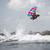 Picture of Connelly Pure Wakeboard w/ Venza Boots - 2021