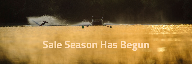 Sale Season Skier Banner